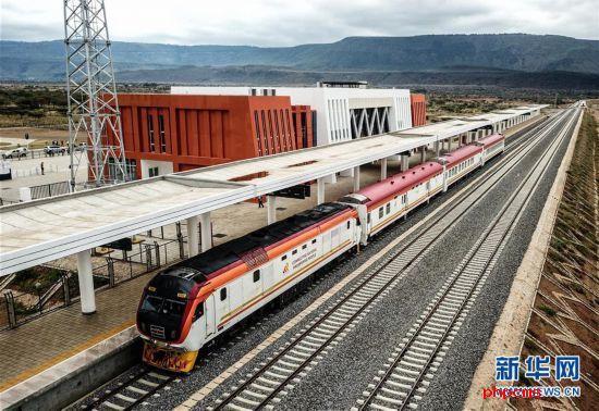 (国际)(1)中企承建的肯尼亚内马铁路进行联调联试
